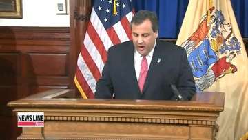 New Jersey governor apologizes, fires top aide for bridge scandal