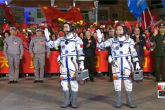 China's Shenzhou spacecraft docks with orbital lab to begin 30-day mission