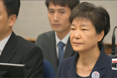 Fmr. President Park Geun-hye fails to show at new trial for election interference