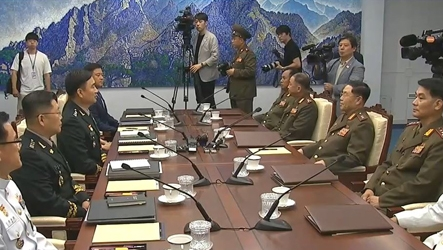 Two Koreas, UN Command to withdraw guard posts, firearms at JSA···