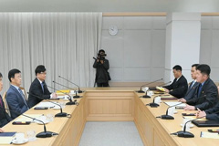 Two Koreas to cooperate in improving direct communication lines