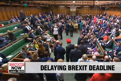 UK MPs back bill to block no-deal Brexit until January 31st