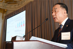 Finance Minister Hong emphasizes S. Korean economies strong resilience at IR meeting in New York