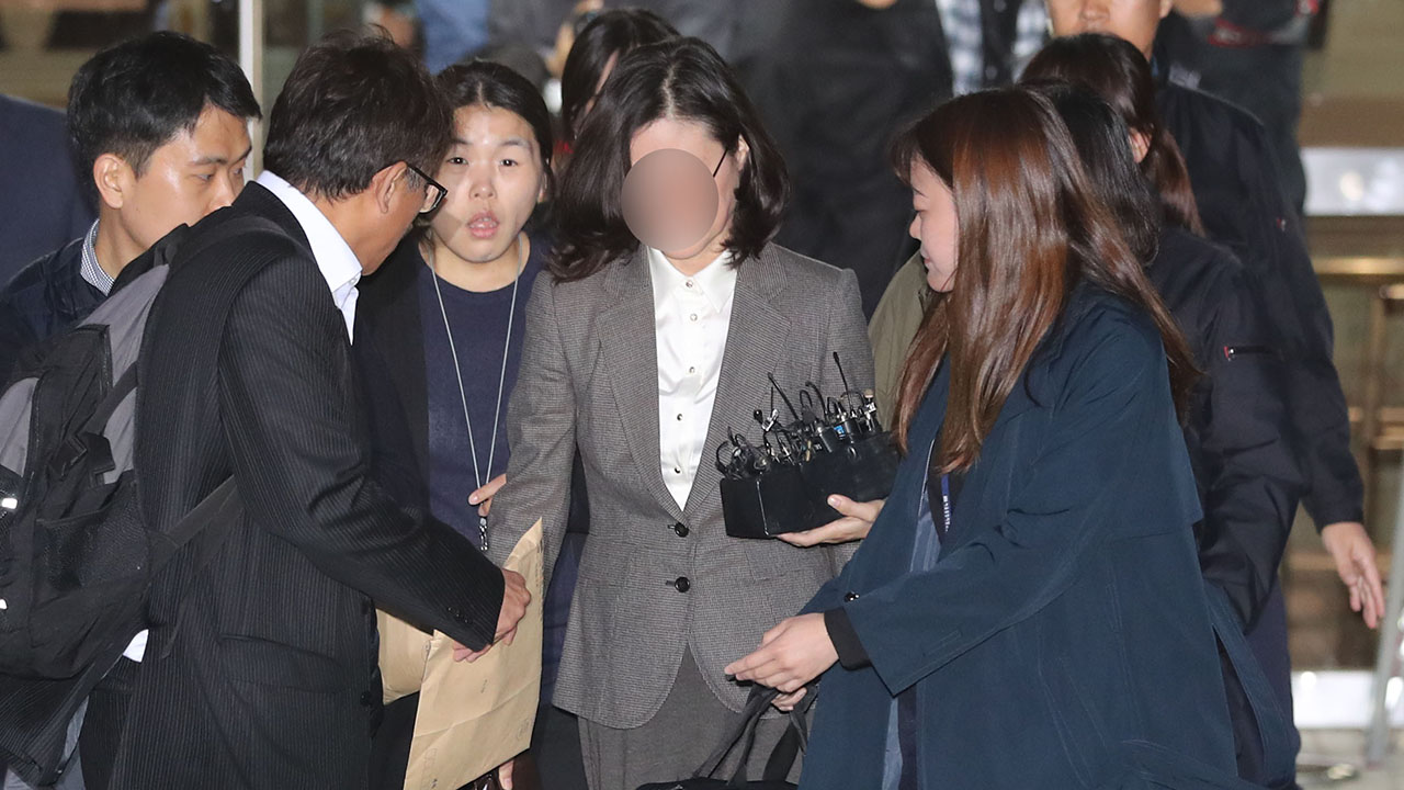 Seoul court approves arrest warrant for ex-justice minister's wife