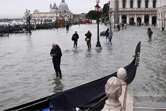 Tourist sites in Venice flooded after storms