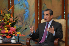 President Moon to meet Chinese FM Wang Yi to discuss bilateral issues