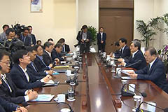 President Moon criticizes use of children as political negotiation card