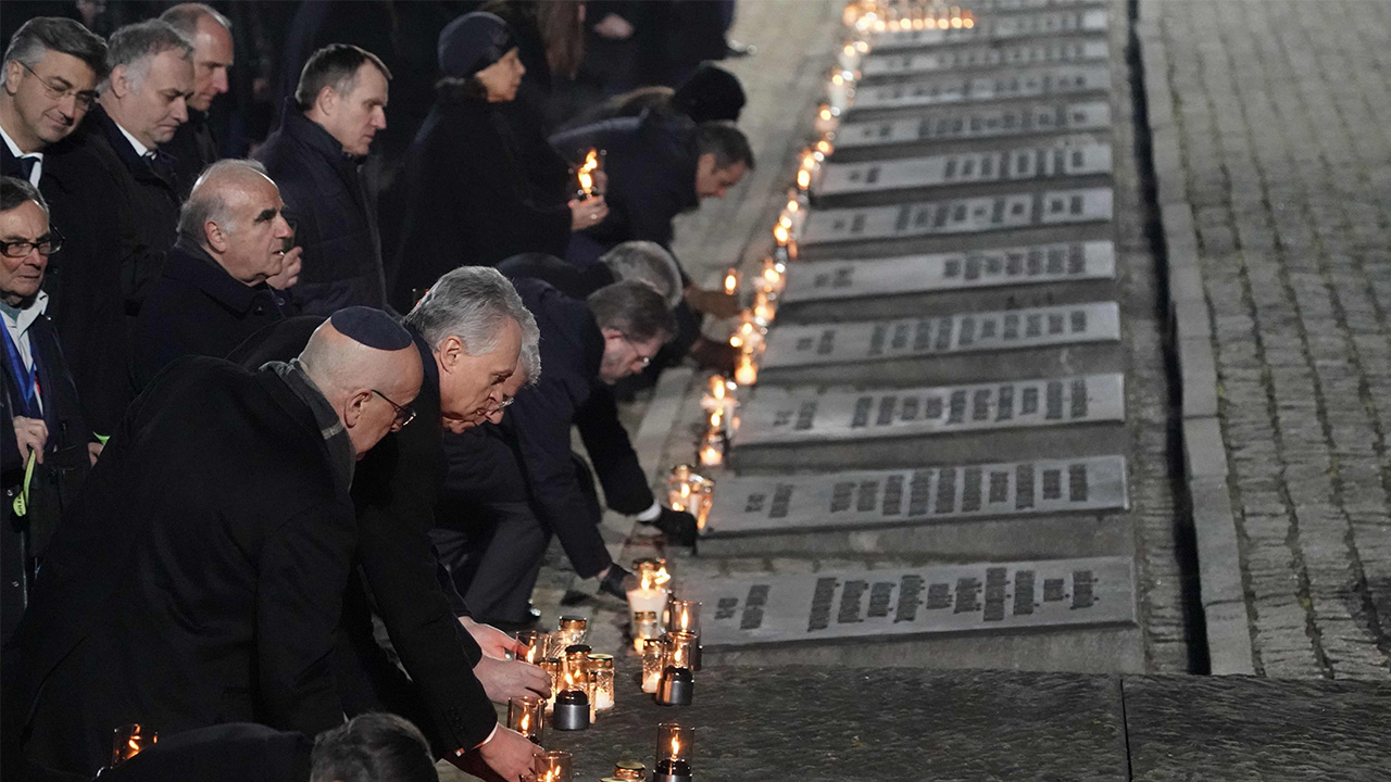 Holocaust survivors, world leaders commemorate 75th anniversary of Auschwitz camp liberation