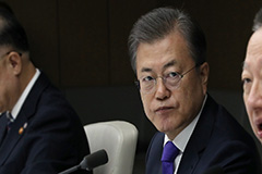 President Moon calls on biz leaders to join forces to revive economy