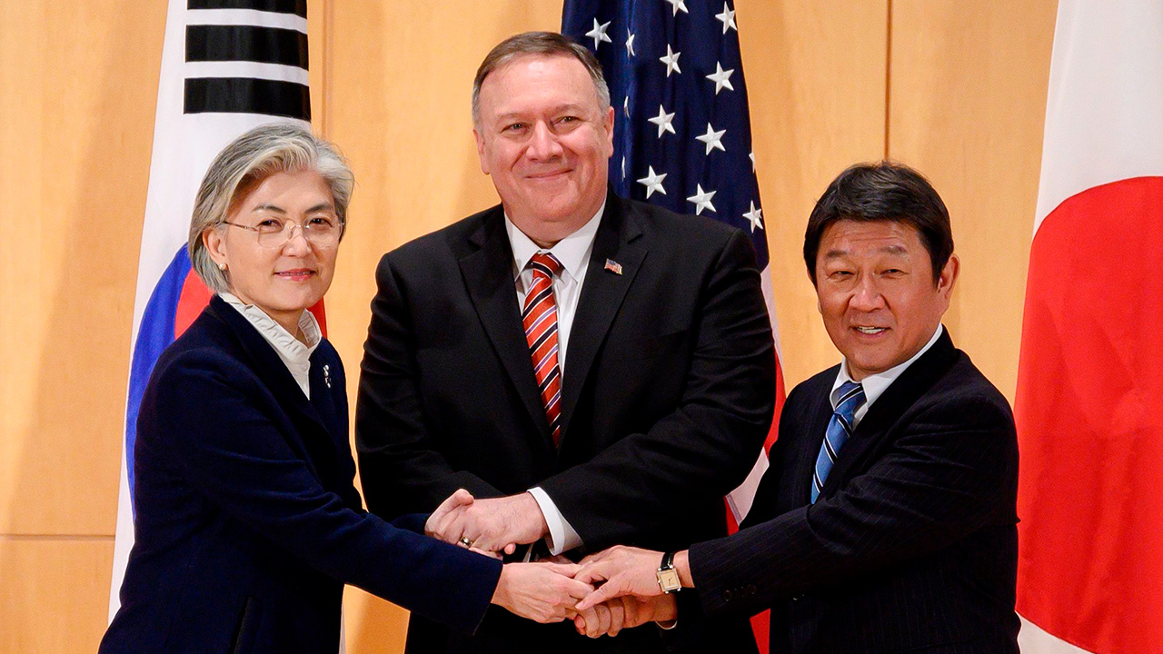S. Korea's FM meets with American, Japanese counterparts in Munich