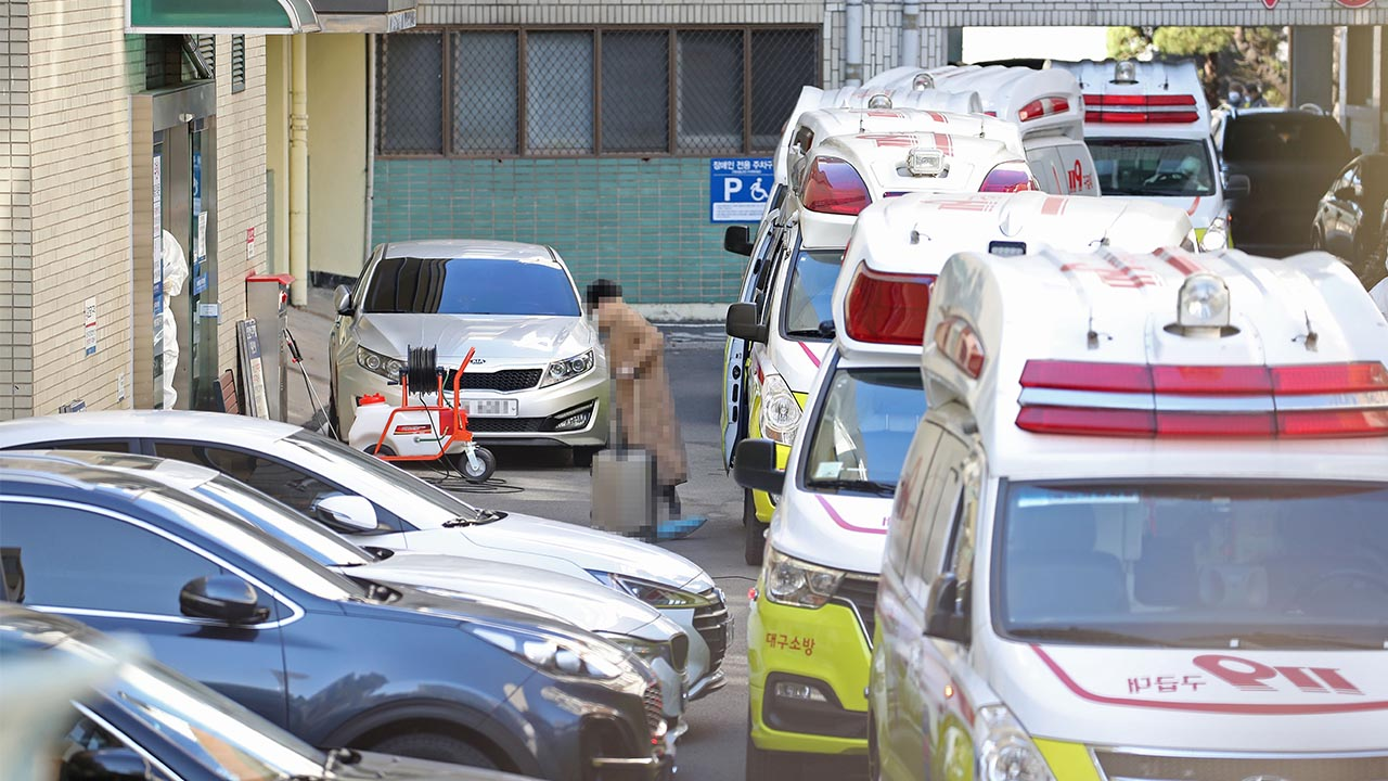 Number of COVID-19 deaths in S. Korea rise to 6, confirmed cases spike to 602