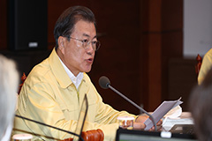 President Moon calls for strict quarantine amid increasing number of imported COVID-19 cases