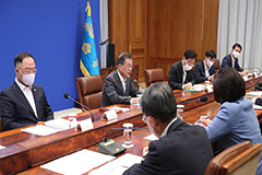 President Moon unveils US$ 46 bil. support package to prop up exports, consumption