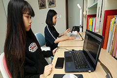 Students in S. Korea kick start much delayed new semester 'virtually'
