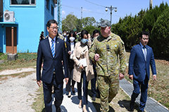 S. Korean unification minister visits inter-Korean truce village just days after guard post shooting