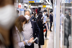 Subway, bus, taxi passengers in S. Korea must wear face masks from Tuesday