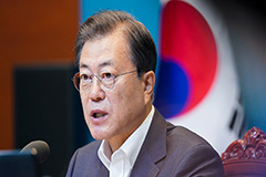 President Moon says emergency relief payments have lifted consumption