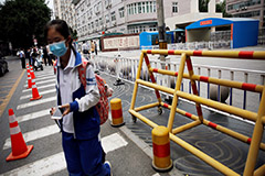 Beijing closes schools due to new COVID-19 outbreak