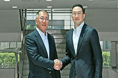 Hyundai Motor heir, LG Group chairman meet for cooperation in electric vehicles