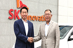 Hyundai Motor,SK Group executives meet for electric car battery cooperation
