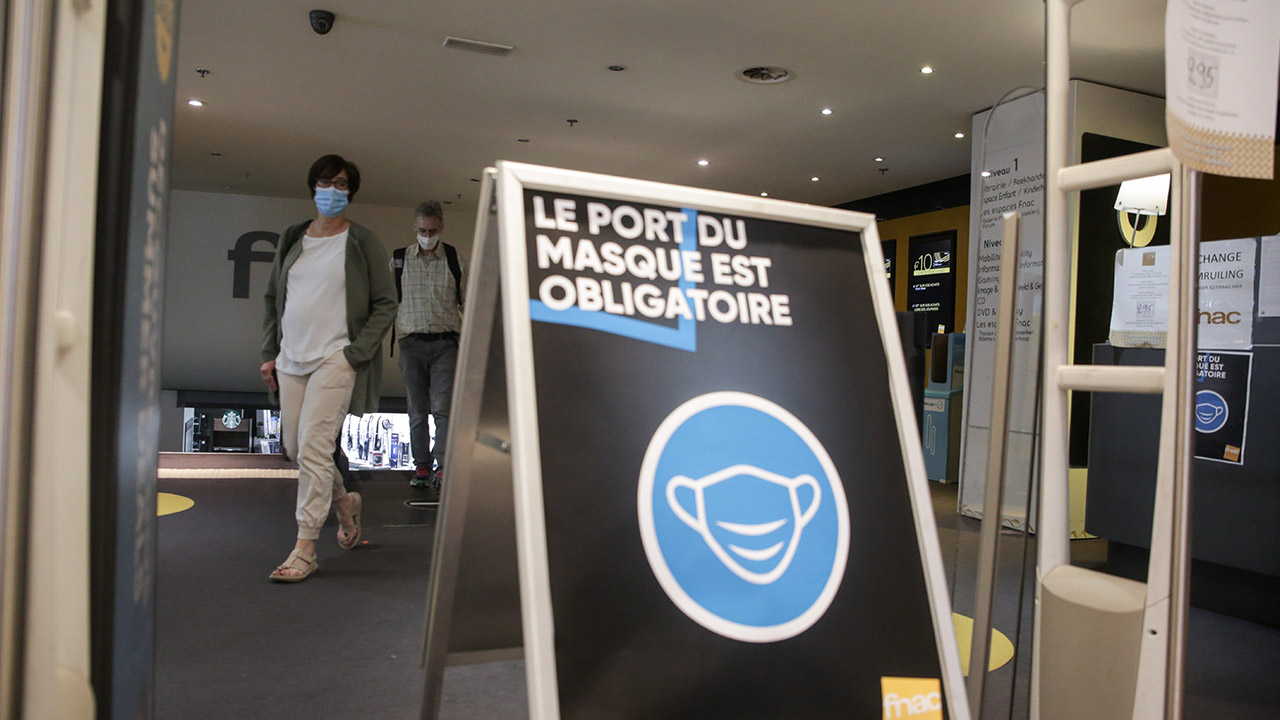 European countries make face masks mandatory as lockdowns end