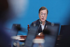 President Moon expects positive economic growth in Q3