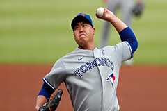 Ryu Hyun-jin notches first win of season against Atlanta Braves