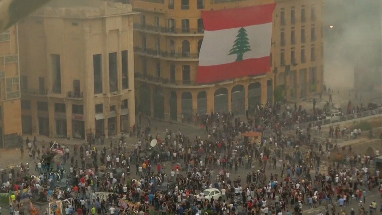 Lebanon protesters storm gov't ministries blamed for deadly explosion