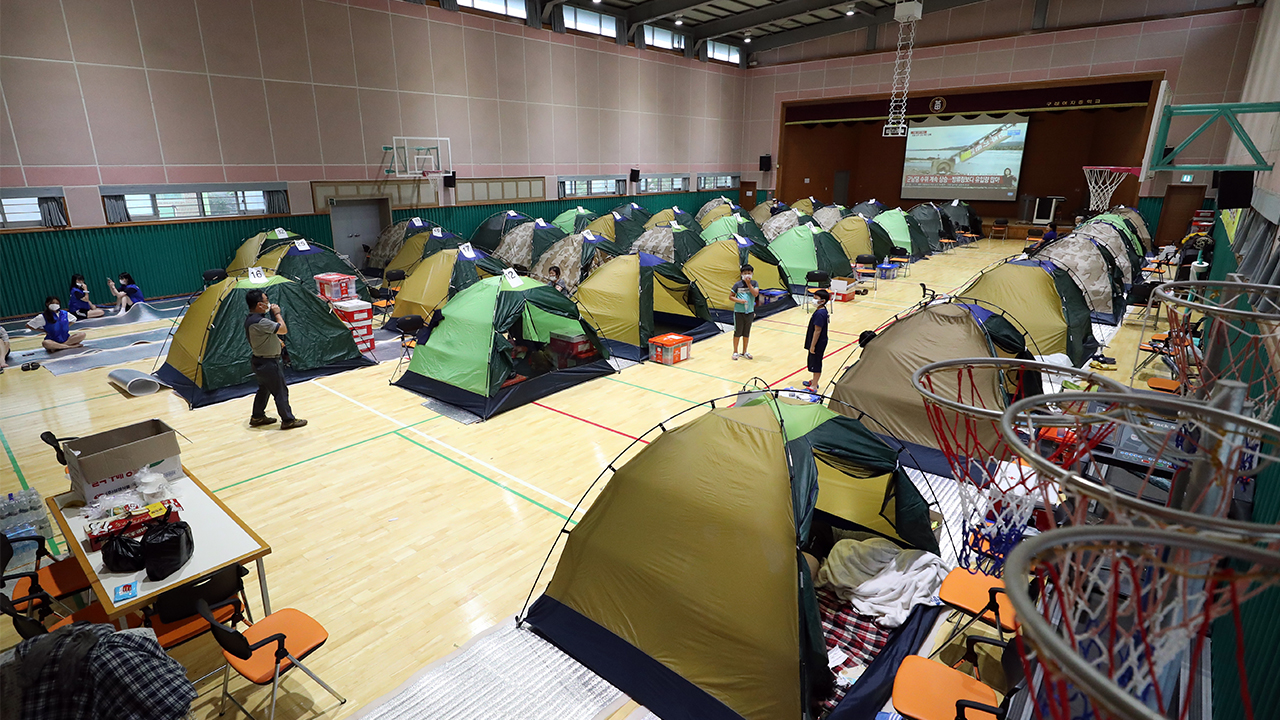 Concerns over COVID-19 outbreak rise in temporary shelters