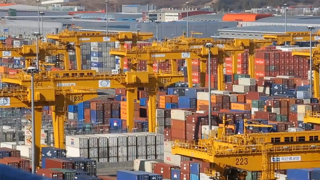 S. Korea's import and export prices both down in July