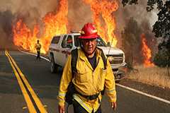 Devastating wildfires continue to blaze across California as death toll reaches 7