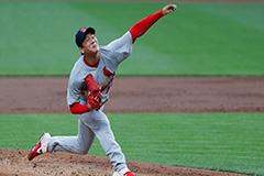 S. Korean MLB pitcher Kim Kwang-hyun earns second win of season as ERA drops to 0.83