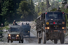 Tensions continue to rise at China-India border