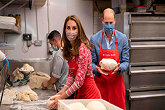 Duke and Duchess of Cambridge put to work in bagel shop
