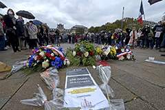 French people mourn for teache