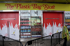 The Plastic Bag Store opens to coincide with NY's plastic bag ban