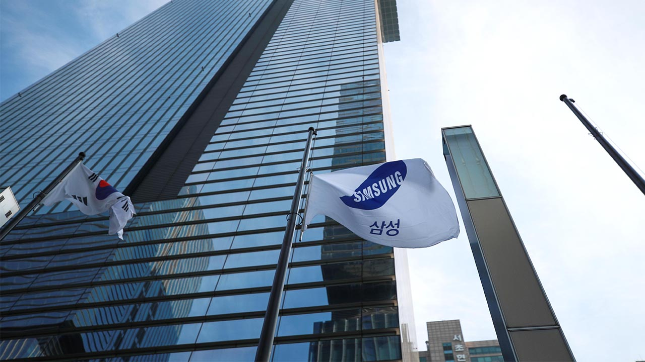 Leader of Samsung passes away. What's next for the corporate empire?