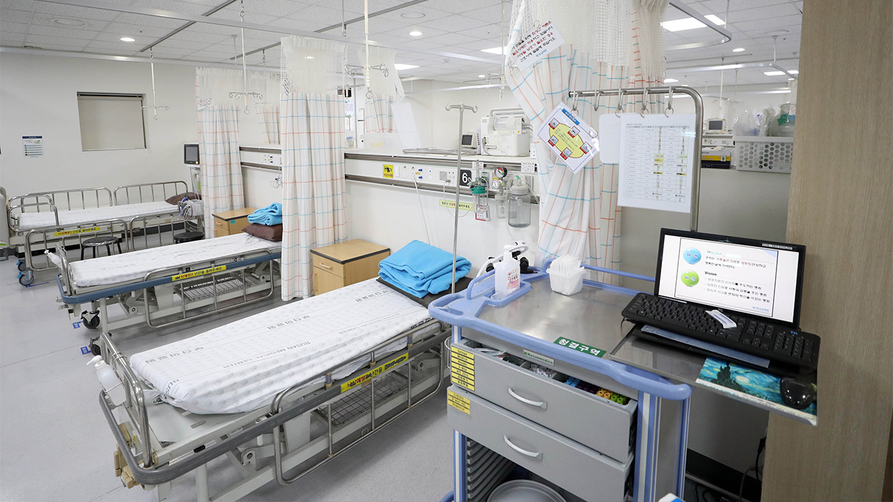 How S. Korea is dealing with hospital bed availability for critically ill COVID-19 patients