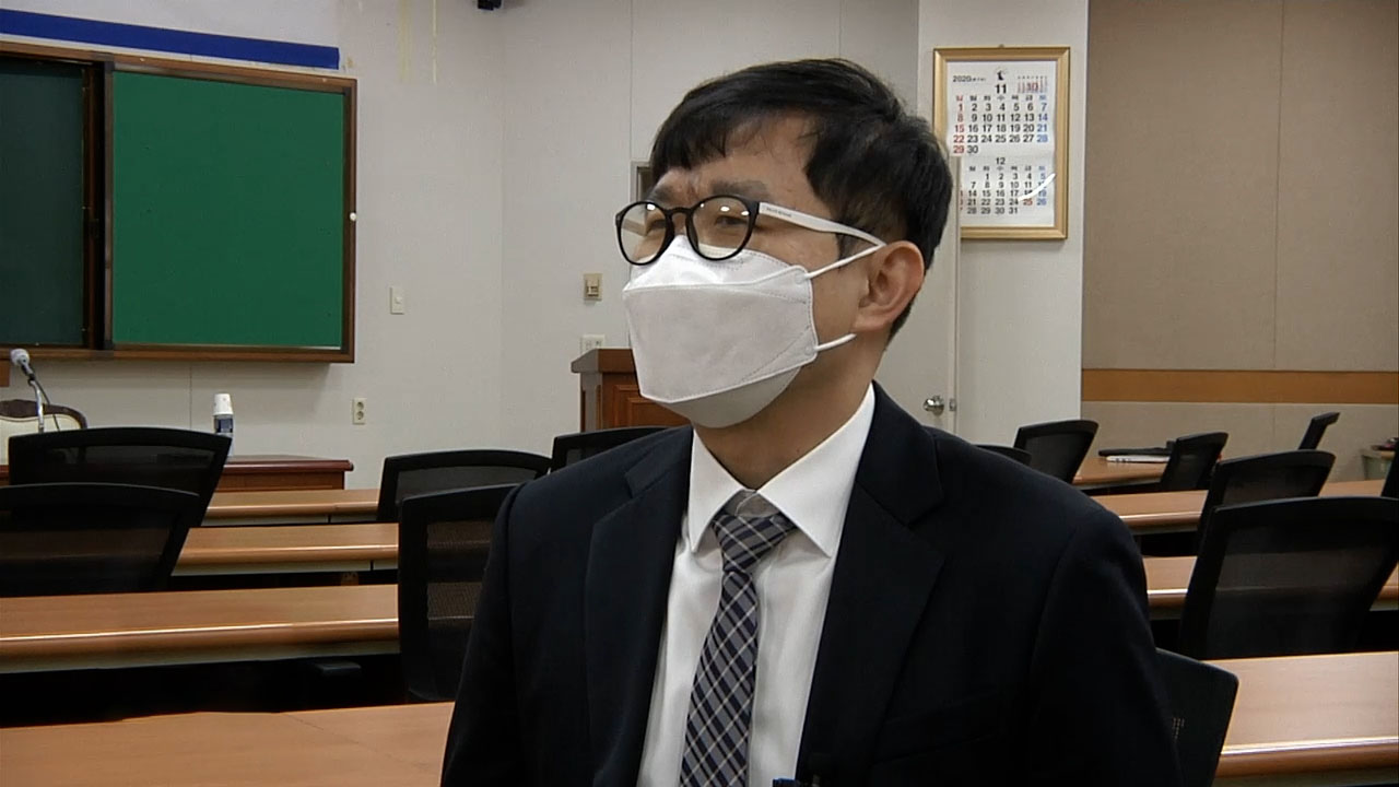 Overcoming great odds to become second-ever blind judge in S. Korea
