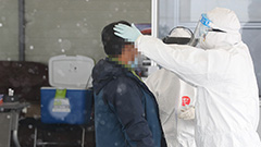 Health workers facing 12-hour shifts in temps so cold their pens don't work