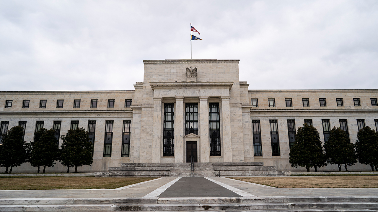 Federal Reserve keeps benchmark interest rate steady near zero