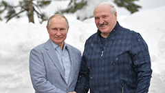 Russia's Putin and Belarus' Lukashenko talk politics over skiing