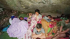 Thousands flee to Thailand as Myanmar military conducts airstrikes on villages