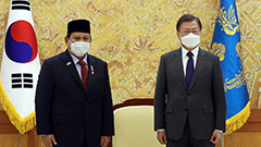President Moon says S. Korea-Indonesia fighter jet project symbolizes mutual trust