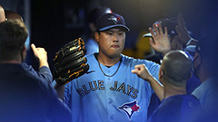 Blue Jays' Ryu Hyun-jin earns 60th win of MLB career