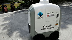 Self-driving delivery robot on
