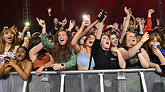 At least 5,000 people attend outdoor music festival in Liverpool without masks