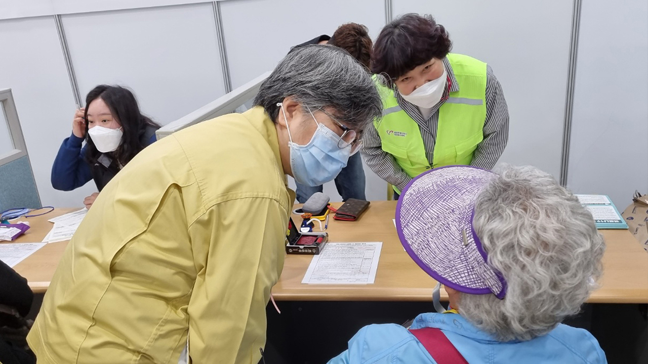 S. Korea's daily Covid infections hit 700 for first time in 10 days