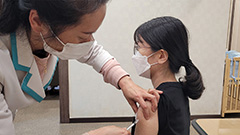 S. Korea begins administering second doses of AstraZeneca vaccine; 747 new COVID-19 cases reported on Friday