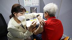 S. Korea reports 533 new cases of COVID-19 on Saturday as 10 percent of people have received first dose of vaccine